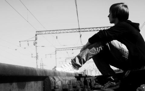 emo-alone-boy-t2